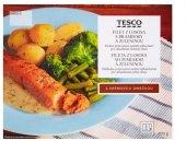 Filet z lososa s brambory a zeleninou Tesco