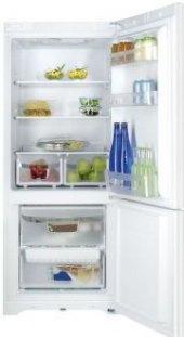 Kombinovaná chladnička Indesit BIAA10P