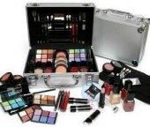 Kufřík kosmetický