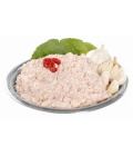 Česneková pomazánka se sýrem a salámem