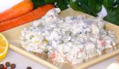 Salát rybí v hořčičné omáčce