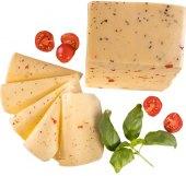 Sýr Excelent Gold s rajčaty a bazalkou
