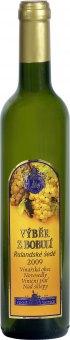 Víno Rulandské šedé Chateau Valtice - výběr z bobulí